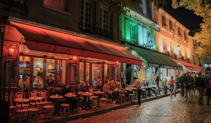 bars and cafes in Paris
