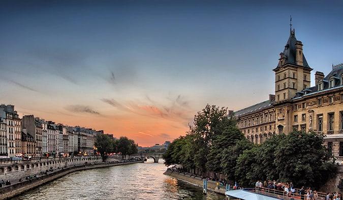 My Top 15 Favorite Hostels in Paris