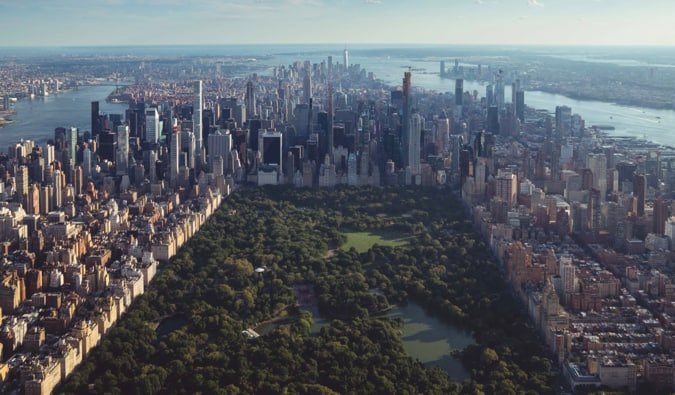 A aerial shot of Manhattan overlooking Central Park