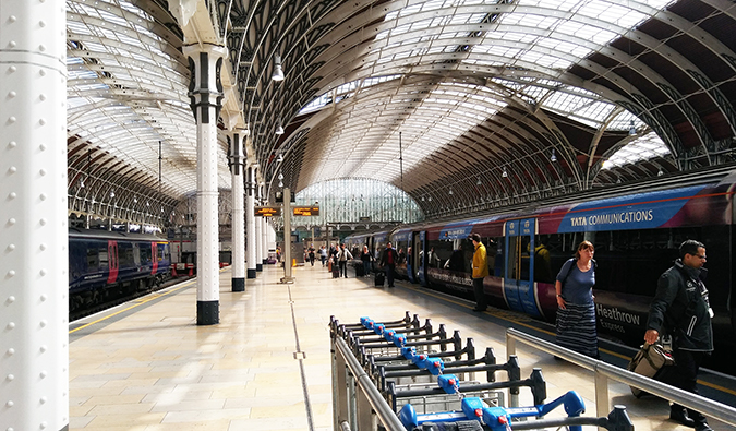 the interior of famous Paddington Station, London; photo by xchrisinphilly5448 (Flickr:@chrisinphilly5448)
