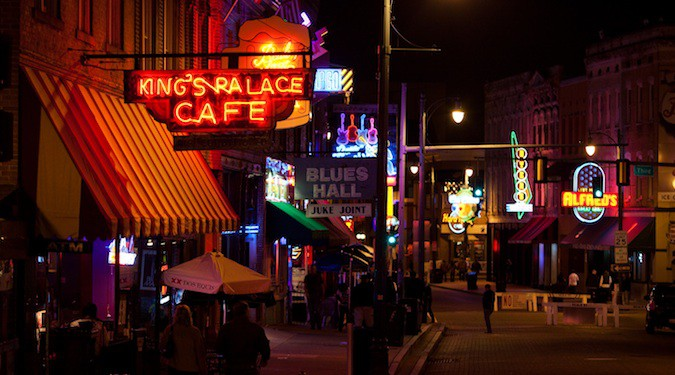 the restaurants of memphis at night