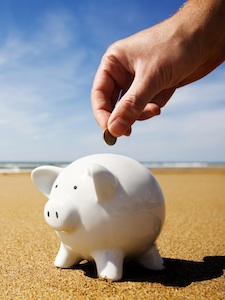 how to save money on travel in 2015