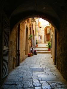 the beautiful cobblestone streets in Dubrovnik