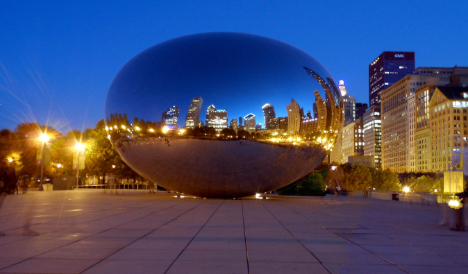 chicago's the bean lit up at night