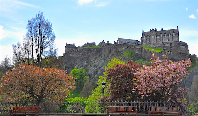 "edinburgh big and beautiful singles Apartments in edinburgh and flats - holiday lettings in the heart of edinburgh, nowhere is too far on foot (big plus for pubs ""beautiful apartment for."