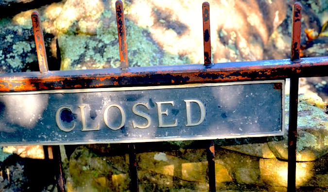 A closed sign, photo by David Amsler (flickr: amslerpix)