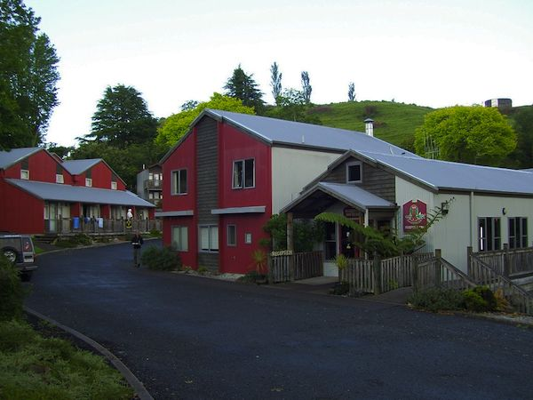The street where the Kiwi Paka hostel is in Waitomo, NZ