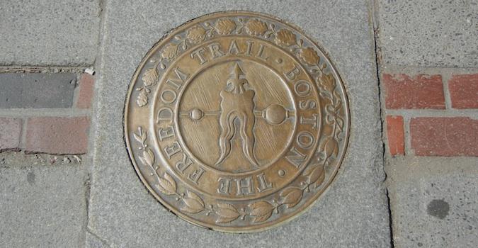 freedom trail boston sign