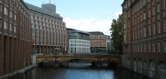 hamburg canal and city