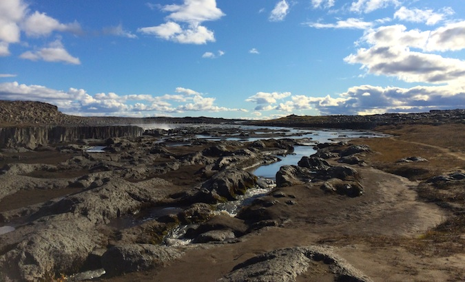 Little pools and lava rocks near Settifoss