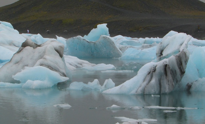 Jökulsárlón flowing ice lagoon in the southeast of Iceland