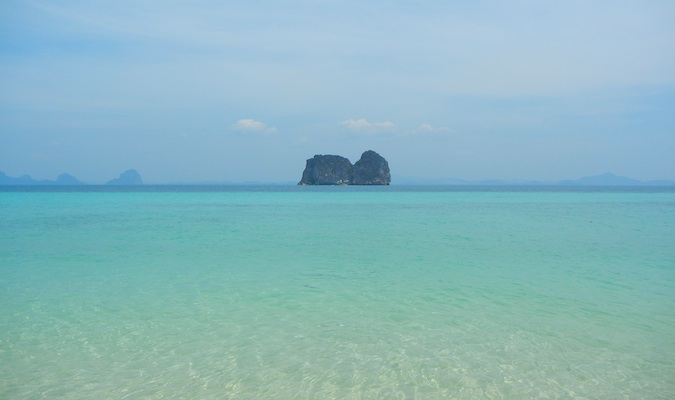 beautiful water in ko lanta