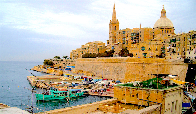 ferry from valletta to sliema in malta, photo by Charlie Dave (flickr: @charliedave)