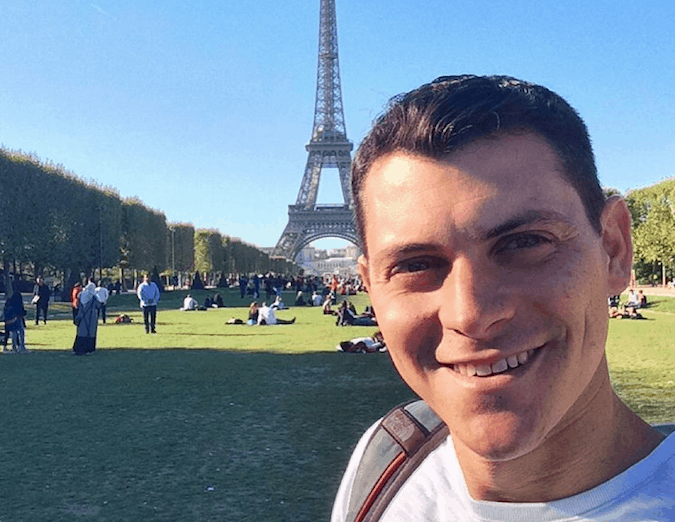 Nomadic Matt tours Paris and the Eiffel Tower as a guide