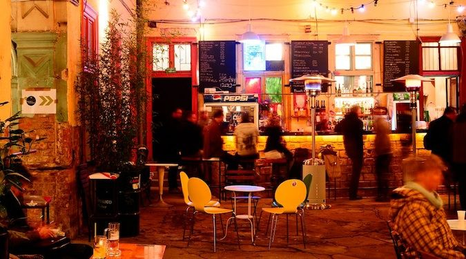 Fogashaz: an awesome Ruin Bar in Budapest, Hungry