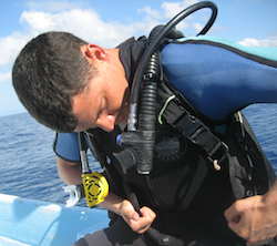 Nomadic Matt learning how to scuba dive in Fiji
