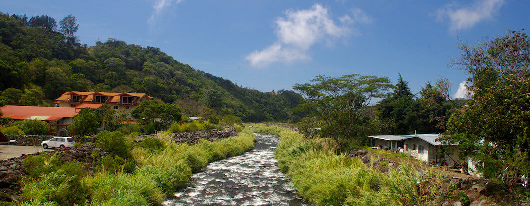 Hiking in the beautiful mountains of boquete