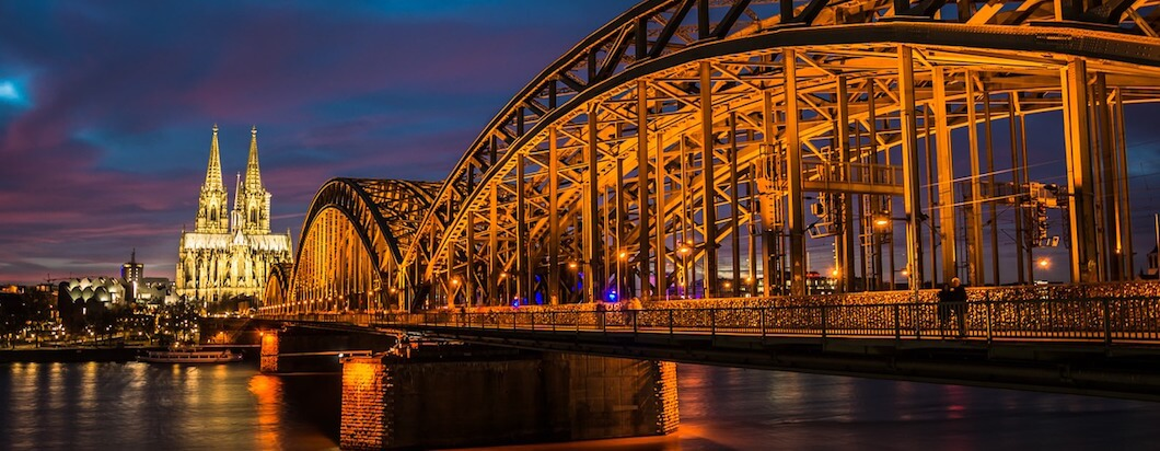 cologne germany at night