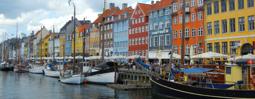 the little mermaid statue in Copenhagen, Denmark