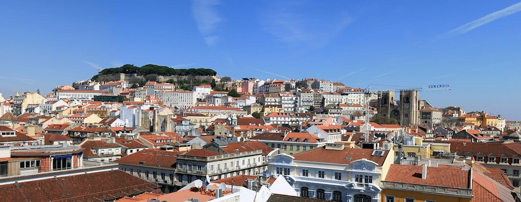 Visiting the beautiful rugged coast of Portugal while in Lisbon