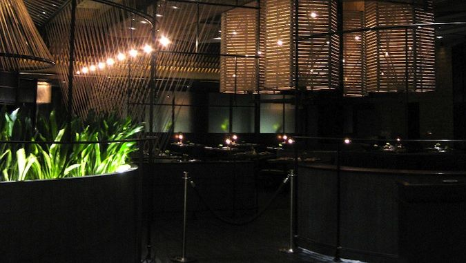 Lemongrass at the Aria Resort has a fantastic simple interior and lighting scheme