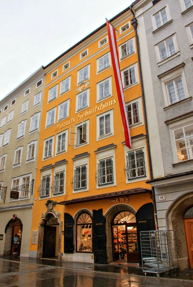 Photo by Ben Snooks (flickr:@snooksy) View of the outside of the Mozart Museum
