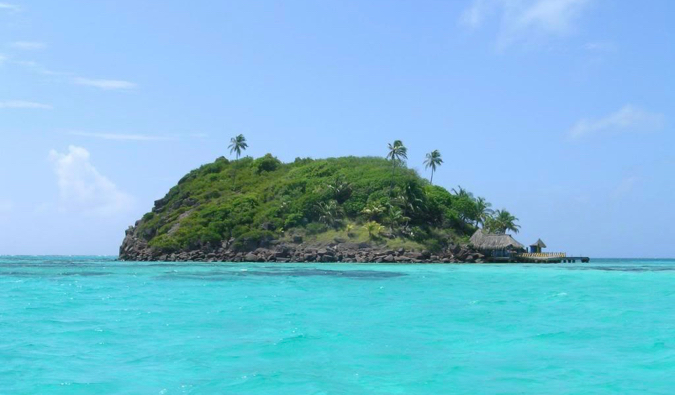 The small island near Crab Cay in Providencia, Colombia