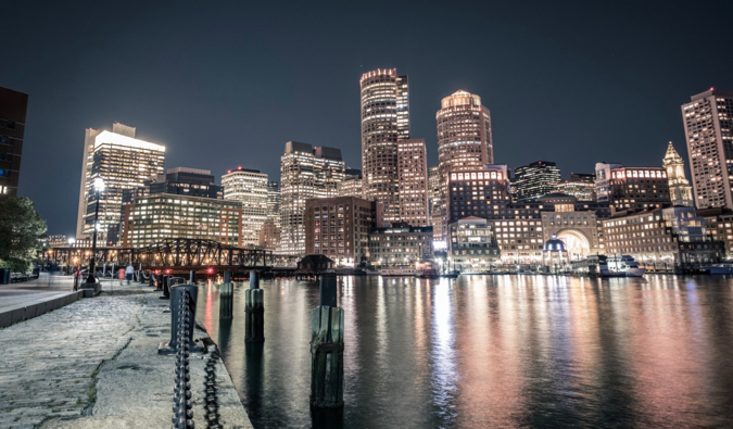 the skyline of Boston at night