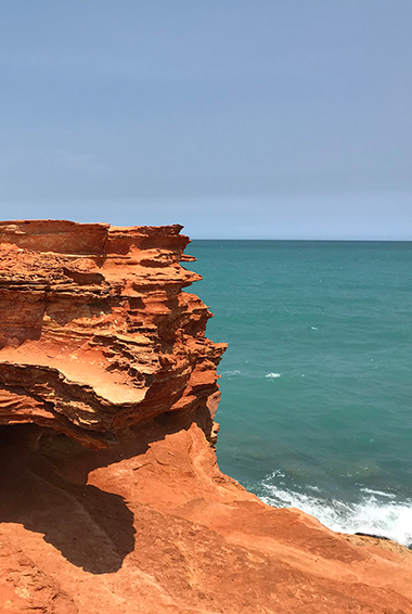 red rocks at Gantheaume Point; photo by Caroline Ramsden (flickr:@caro6302)