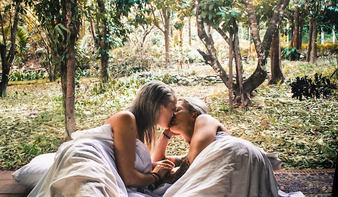 Charlotte and Natalie sleeping in a jungle in Thailand