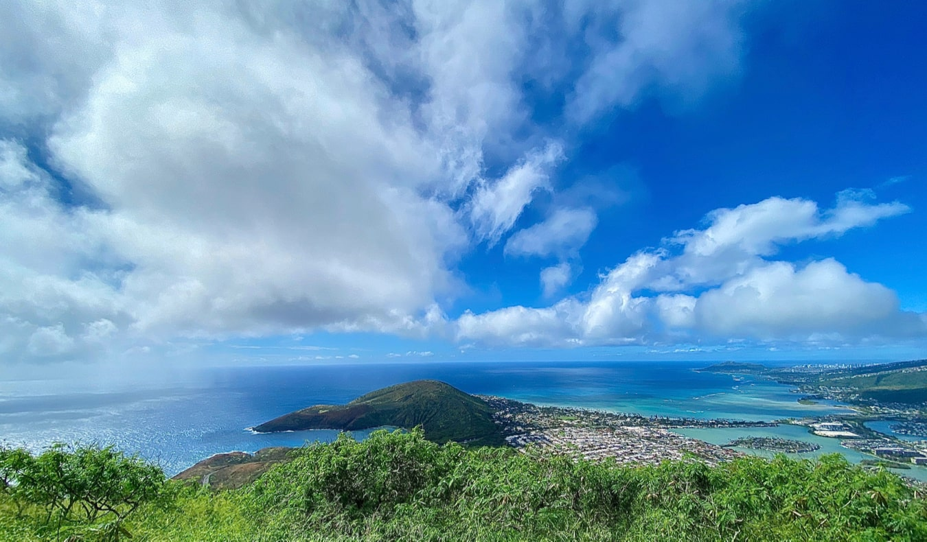 A bright blue sky over the island of Oahu, Hawaii