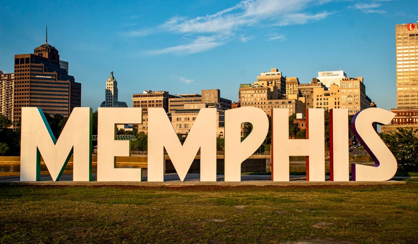 The large Memphis sign in Memphis, TN