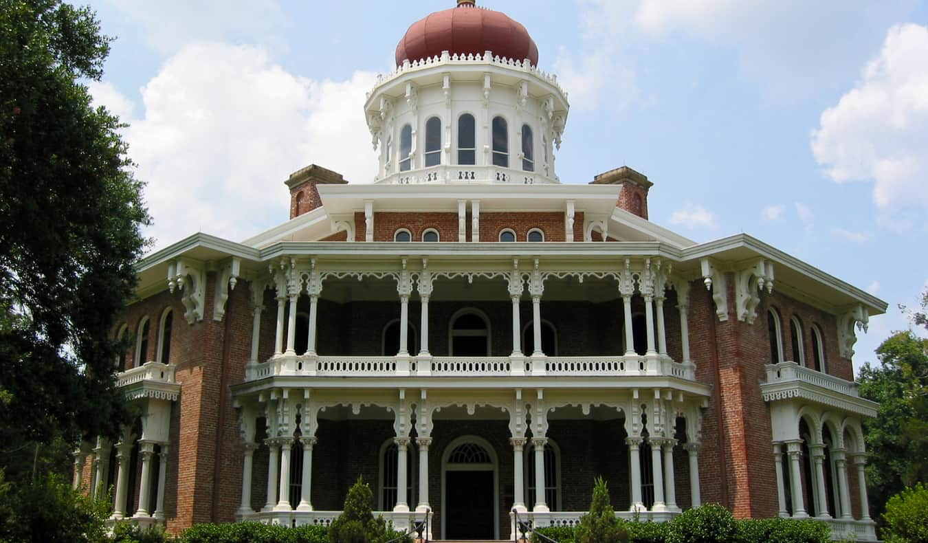 One of the many old plantation homes in Natchez, Mississippi