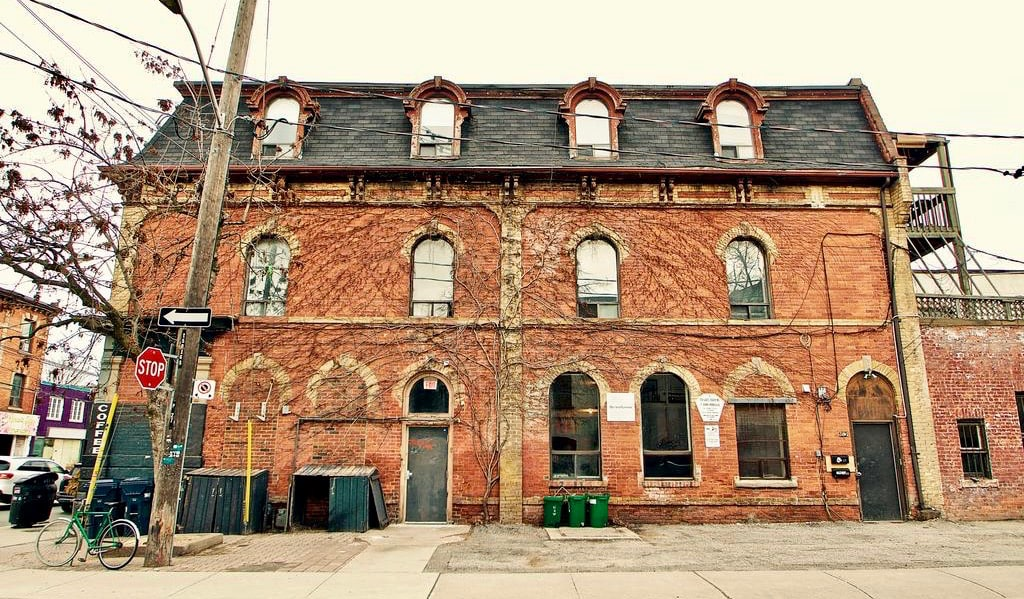 The exterior of The Parkdale Hostellerie in Toronto, Canada