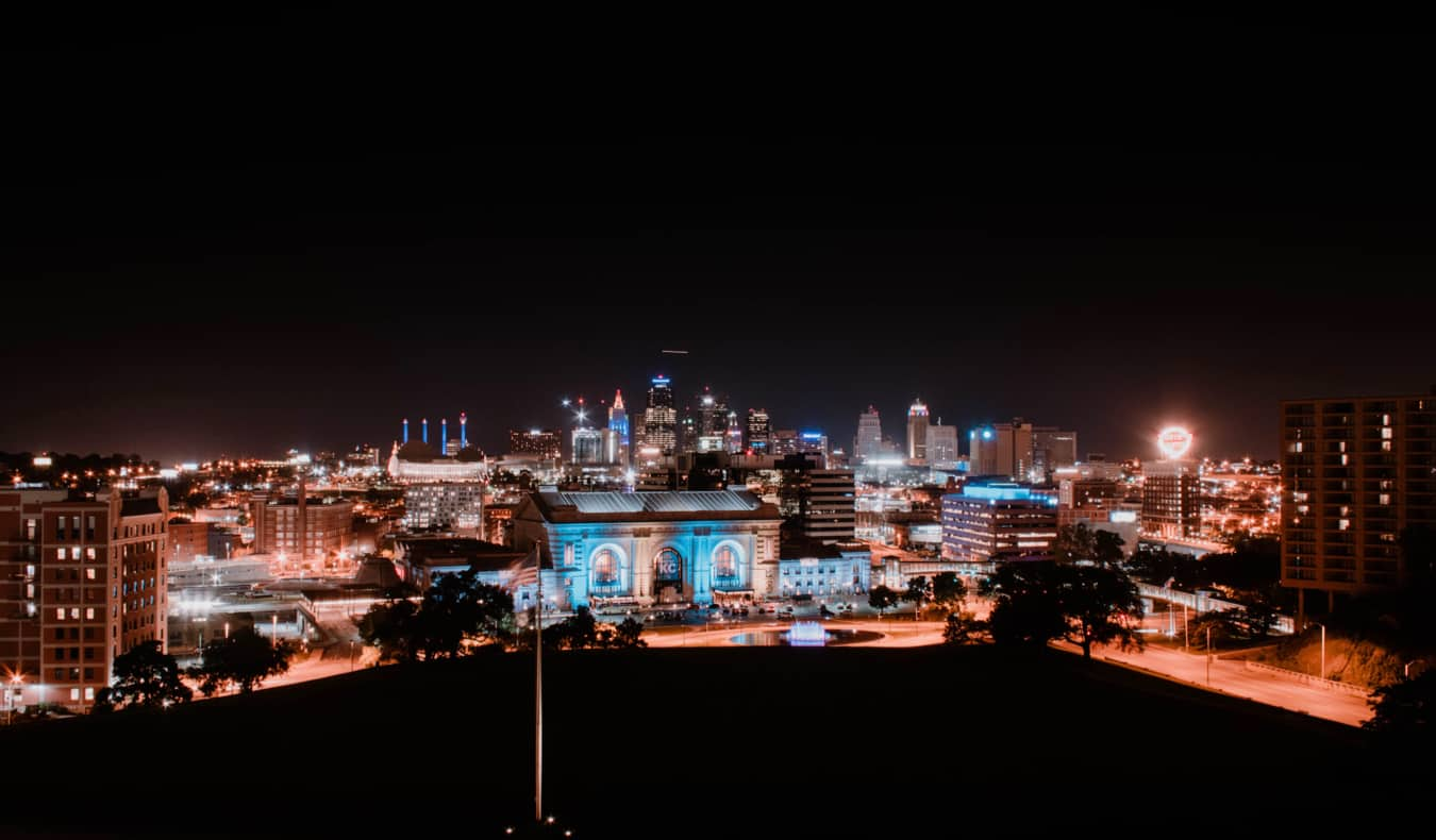 The skyline of Kansas City lit up at night