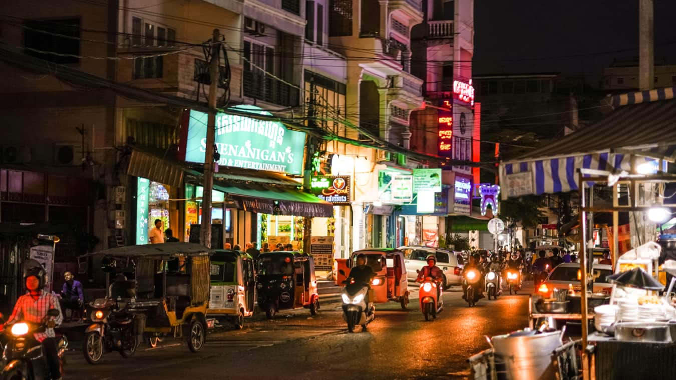 The busy and bustling streets of Phnom Penh, Cambodia at night