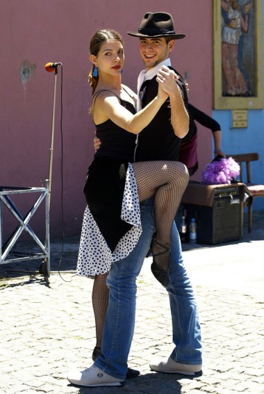 A couple doing the tango dance in Argentina