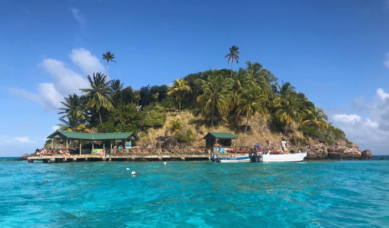 The small island near Crab Cay in Providencia, Colombia