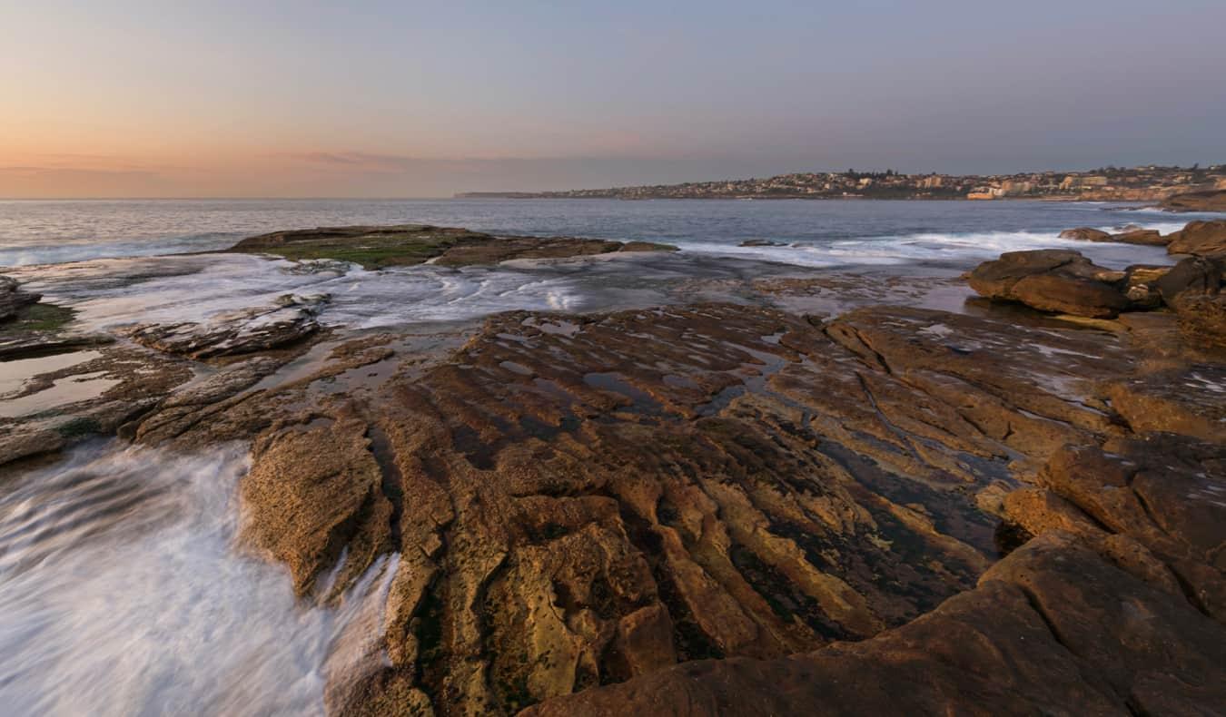 The rugged cliffs and coastline of Sydney, Australia