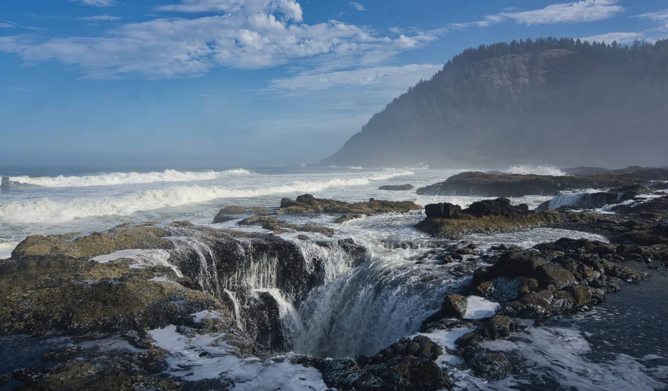 Thor's Well on the coast of Oregon, USA