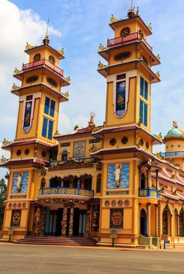 The colorful Cao Dai Temple in HCMC, Vietnam