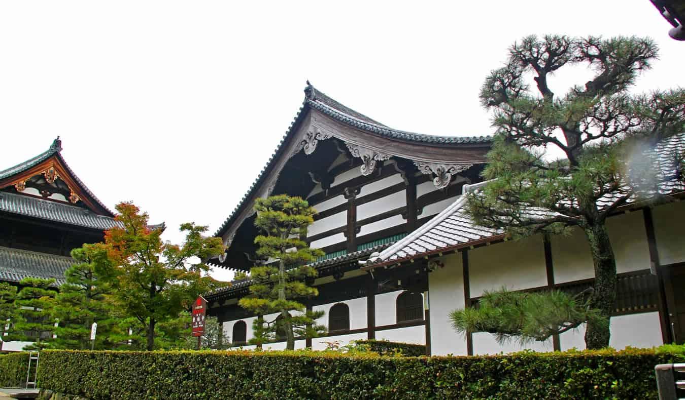 the contemplative Tofuku-ji temple in Kyoto, Japan