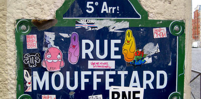 street sign for Rue Mouffetard, photo by Rachel Segal Hamilton (flickr: rachsh)