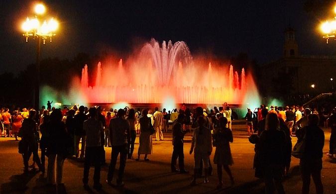 Place de Espanya magic fountain barcelona