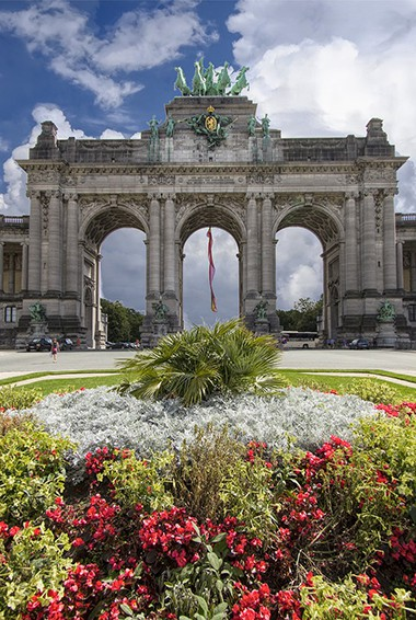 flowers in bloom in Brussels at the Arcade du Cinquantenaire, Belgium