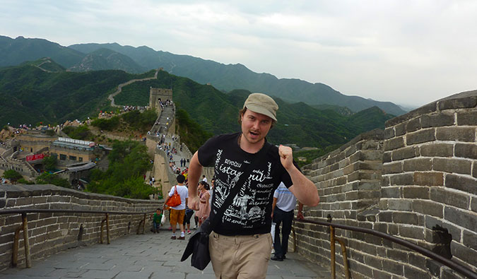 Benny Lewis on the Great Wall of China