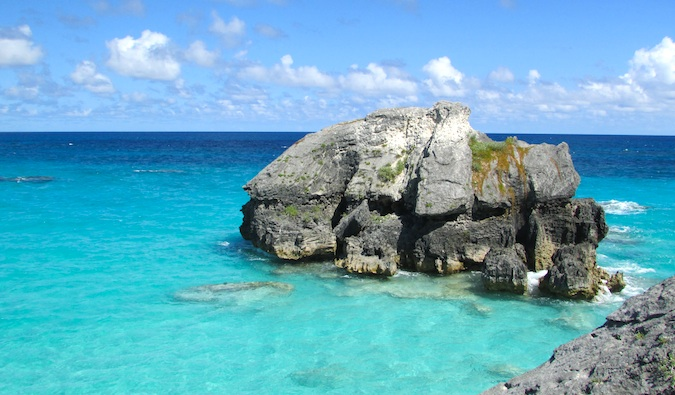 bermuda beaches and clear blue water