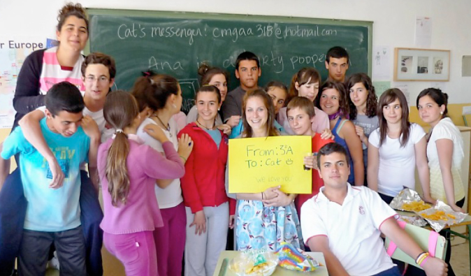 cat gaa and teenage students learning English