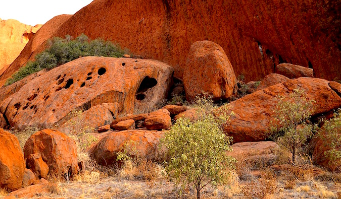 amazing red rocks in uluru