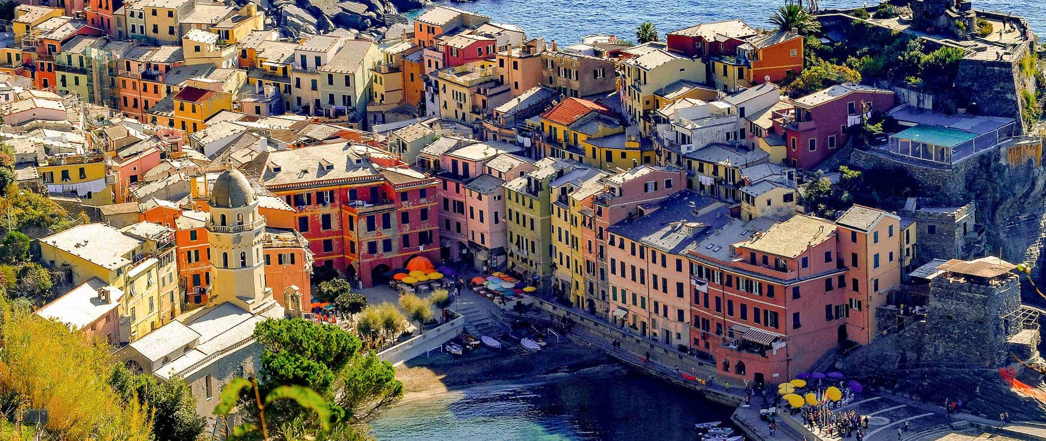 colorful buildings in the Cinque Terre